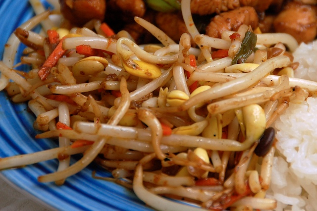 Stir-Fried Bean Sprouts with Chili Bean Sauce.jpg